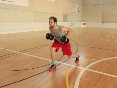 ¿Entrenar con máquinas o peso libre para el baloncesto?